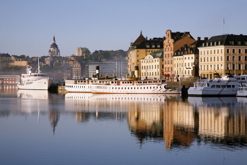 Boats along Skeppsbron in central Stockholm. Photo: Ola Ericson / imagebank.sweden.se