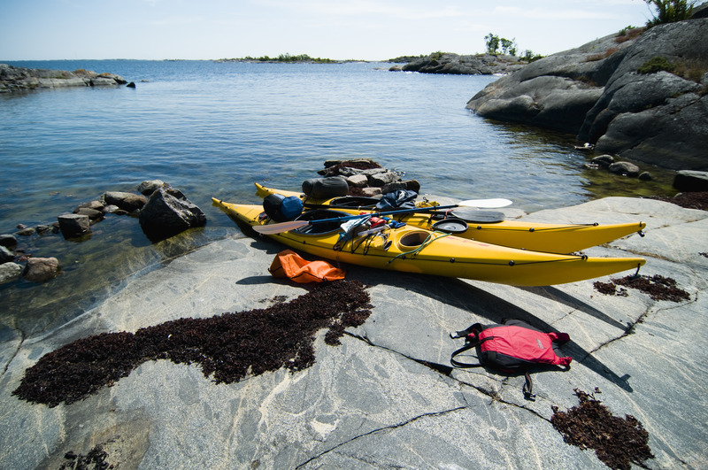 Kayaking in the Stockholm archipelago. Photo: Helena Wahlman / imagebank.sweden.se